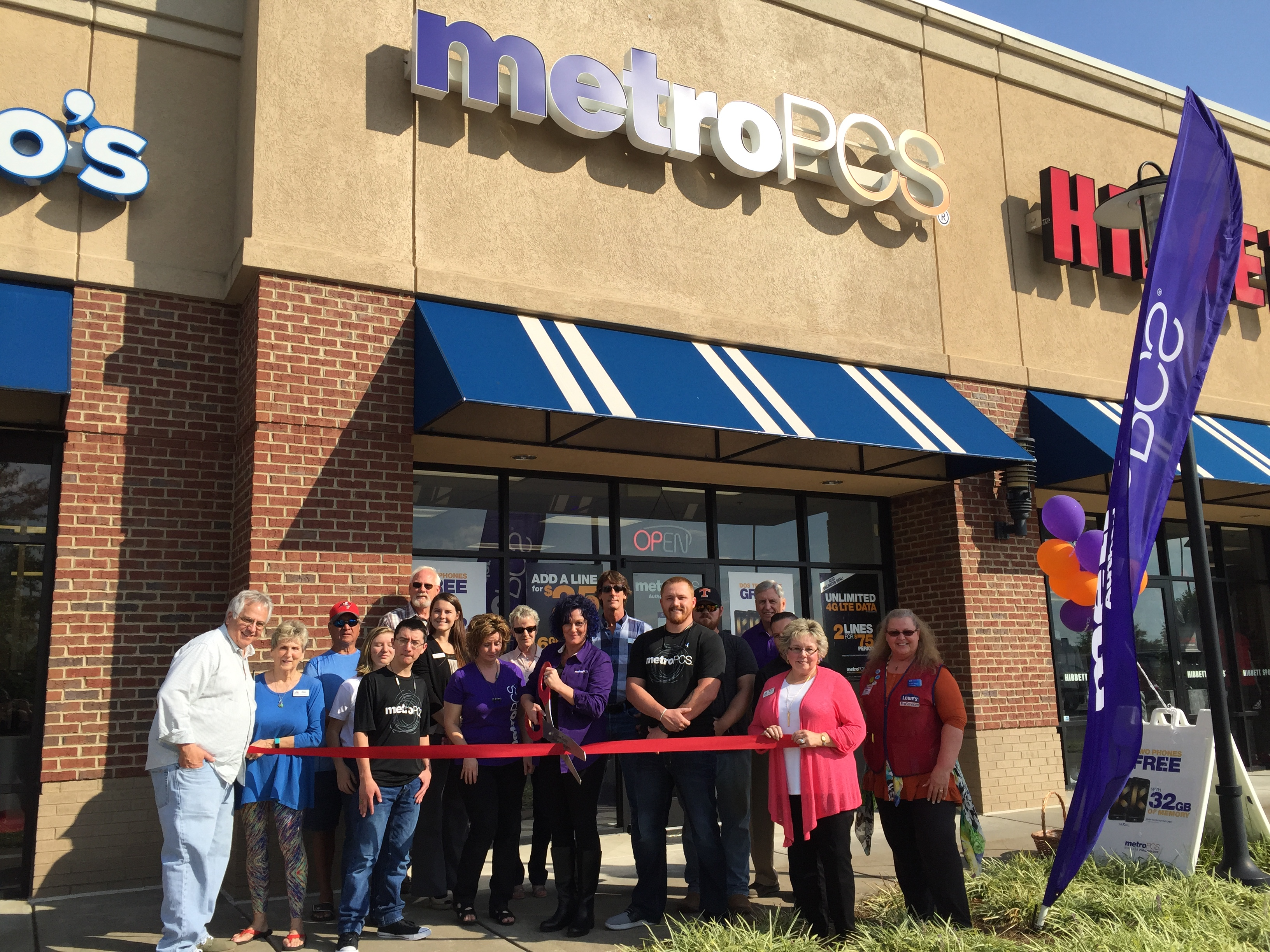 Ribbon Cutting for Metro PCS - Gilmer County Chamber of Commerce